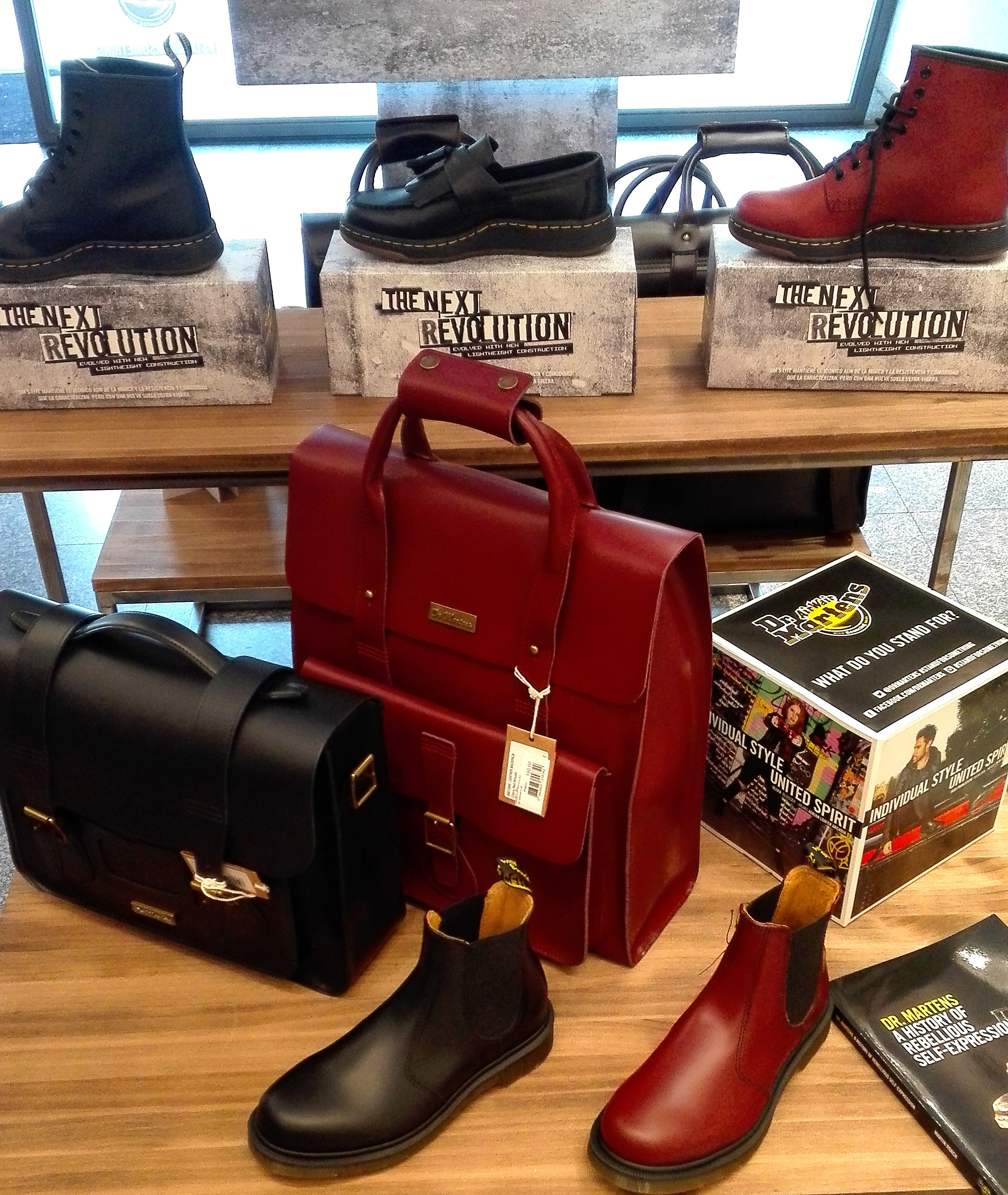 dr martens pop up store madrid popupspain (1)