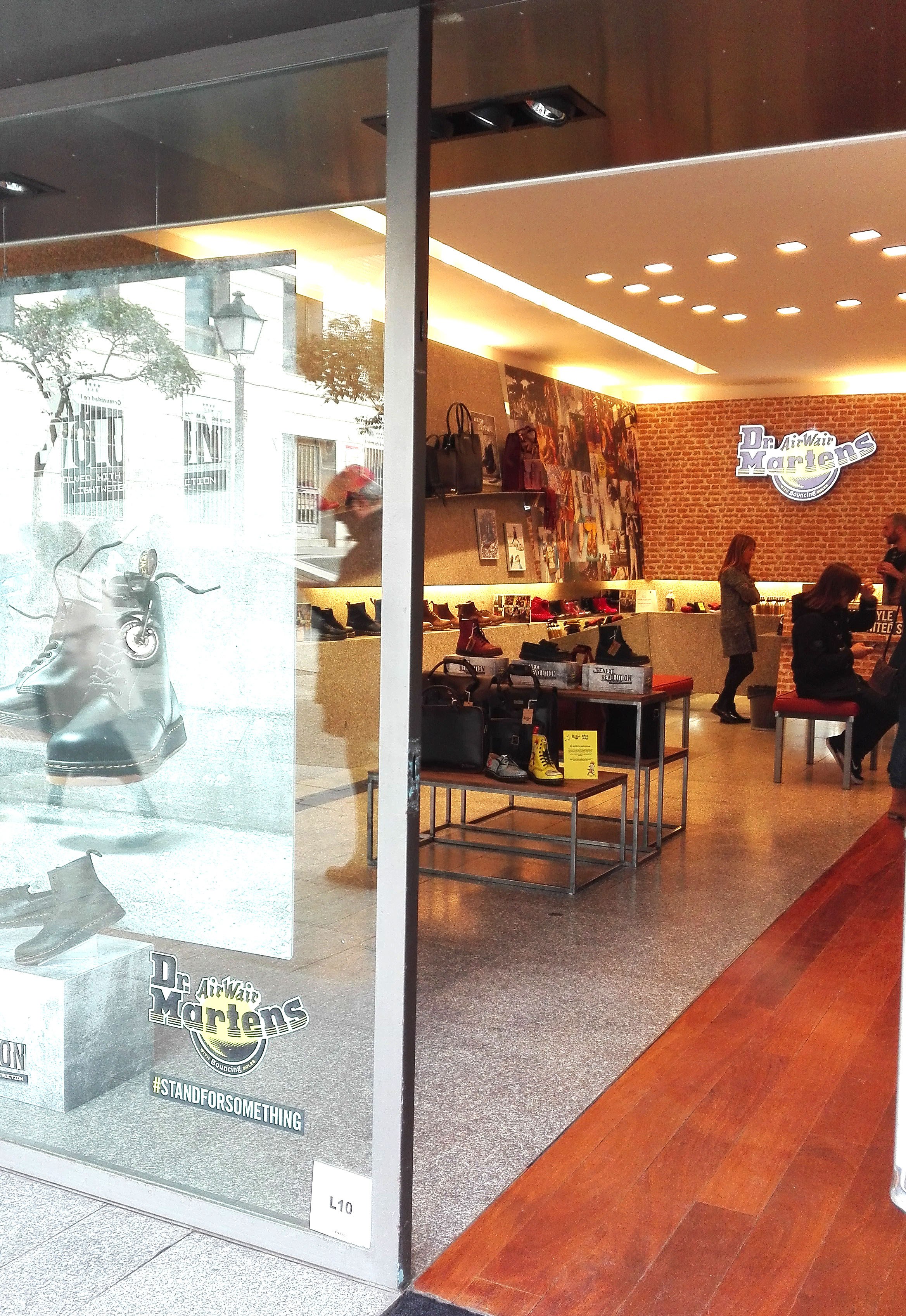 dr martens pop up store madrid popupspain (5)